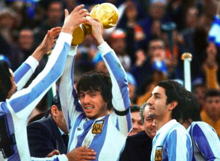 """1978: Argentina-Olanda 3-1 dts. Tra la Junta e Quiroga, le mani nella """"marmelada"""""""